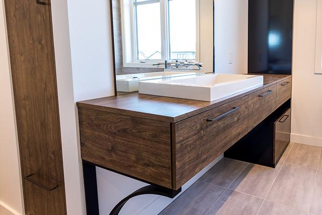 Des armoires de salle de bain fabriquées selon vos désirs - Cuisiconcept